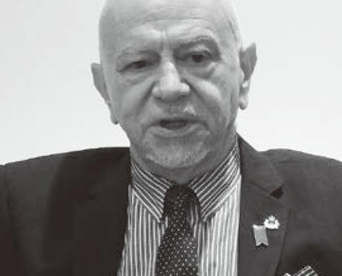 マンリオ・カデロ大使