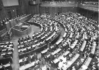 学術会議問題が議論の約6割を占めた臨時国会